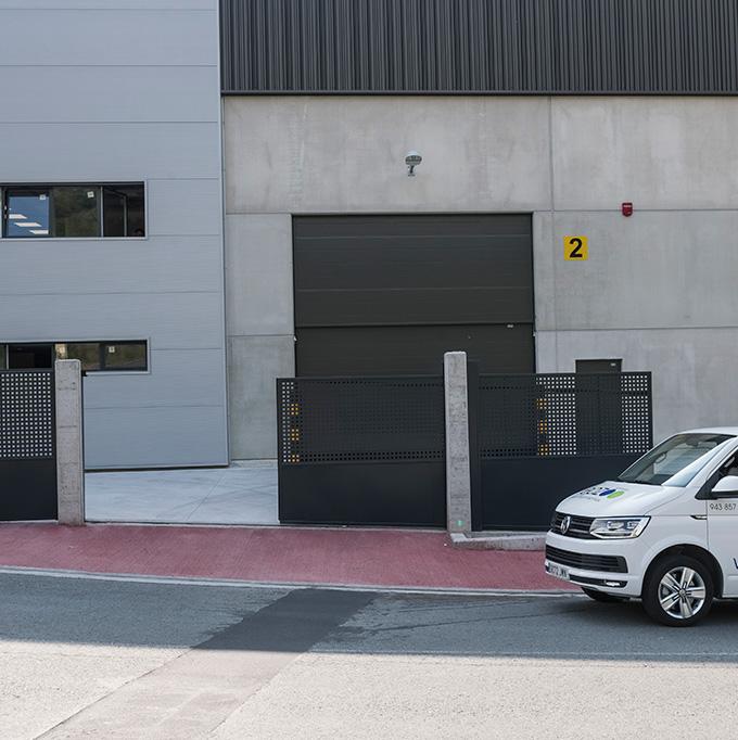 Puerta corredera industrial